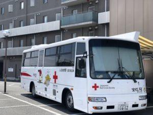 献血バスをホテル駐車場に誘致